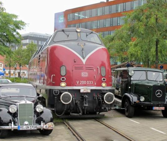V200 033 am 27.08.2011 beim Kiepenkerl Classic Hafenfest in Münster