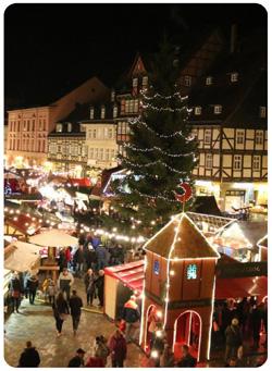 Weihnachtsmarkt Wernigerode In Den Höfen.Weihnachtsmärkte Am Harz Goslar Wernigerode Quedlinburg